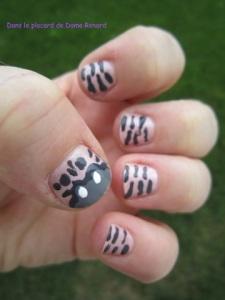 Un zèbre sur les ongles