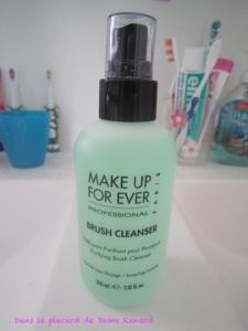 Brush cleanser de Make Up For Ever