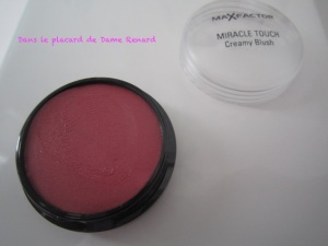 Un maquillage bonne mine avec le blush Miracle touch de Max Factor