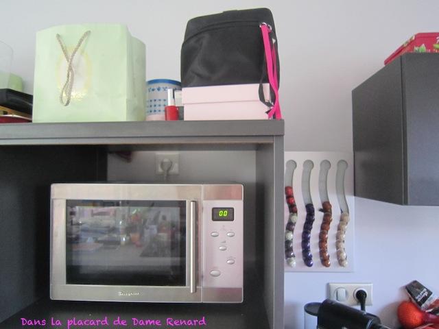 d fi du lundi rangement de vernis dans le placard de dame renard. Black Bedroom Furniture Sets. Home Design Ideas