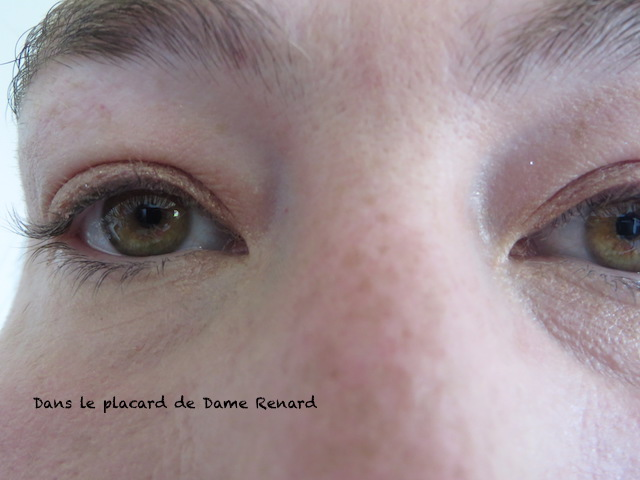 cils-sans-Gourmandise-des-pastels-mascara-volume-crescendo-waterproof-Dr-Pierre-Ricaud-03