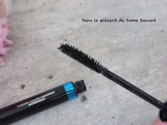 Gourmandise-des-pastels-mascara-volume-crescendo-waterproof-Dr-Pierre-Ricaud-04