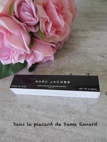 Mascara-velvet-noir-major-volume-Marc-Jacobs-02