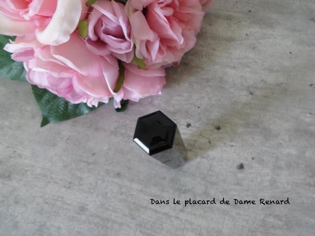 Mascara-velvet-noir-major-volume-Marc-Jacobs-05