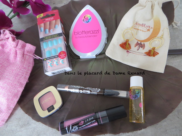 Keep-Smile-My-Pocket-Make-Up-05