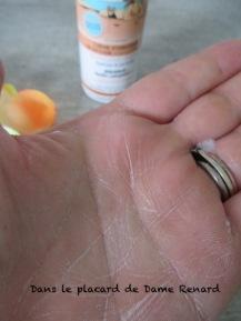 Creme-hydratante-en-mousse-Energie-Fruit-monoi-huiledargan-07