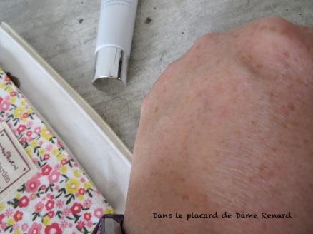 Illuminating-CC-Cream-Ideal-Radiance-Artistry-05