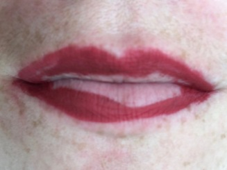 long-lasting-liquid-lipstick-laritzy-teinte-power-09
