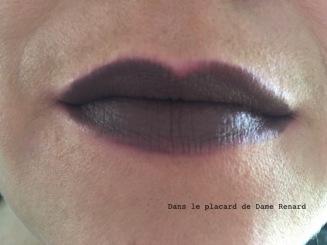 rouge-a-levres-liquid-mat-celeste-kiss-teinte-nut-brown-06