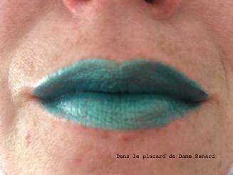 levres-avec-liquid-lipstick-all-tigers-teinte-789-metalgreen-steal-the-show-01