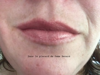 levres-baume-douceur-levres-embryolisse-teinte-rose-nude-01