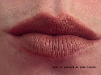 levres-avec-matte-lipstick-mac-velvet-teddy-02