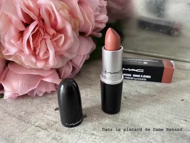 matte-lipstick-mac-velvet-teddy-01
