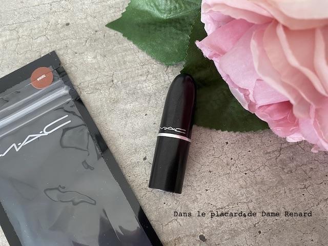 matte-lipstick-mac-whirl-03
